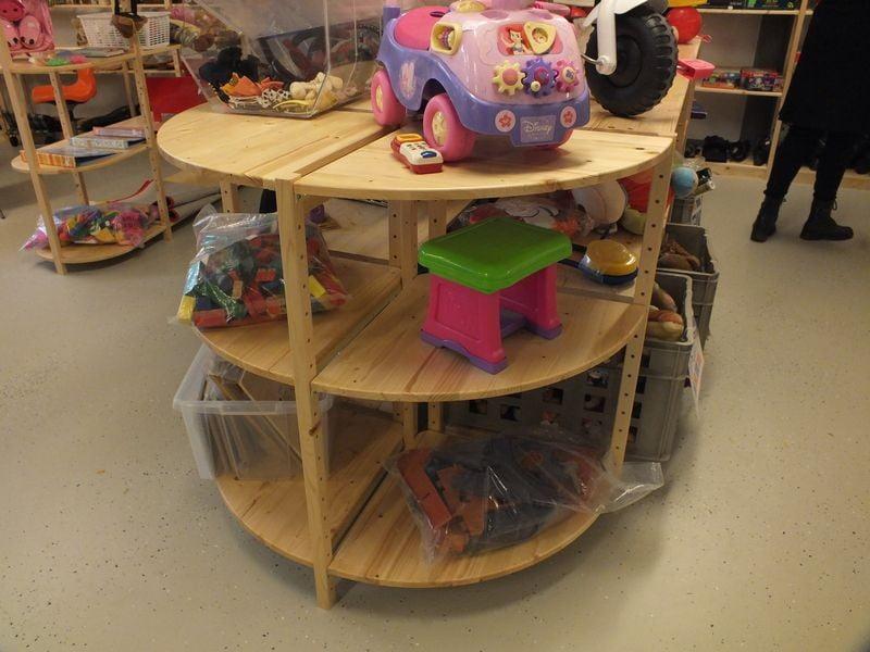 winkelstellingen van hout kringloopwinkel eemnes