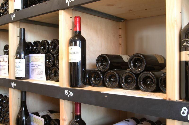 houten wijnwinkelinrichting mondovino